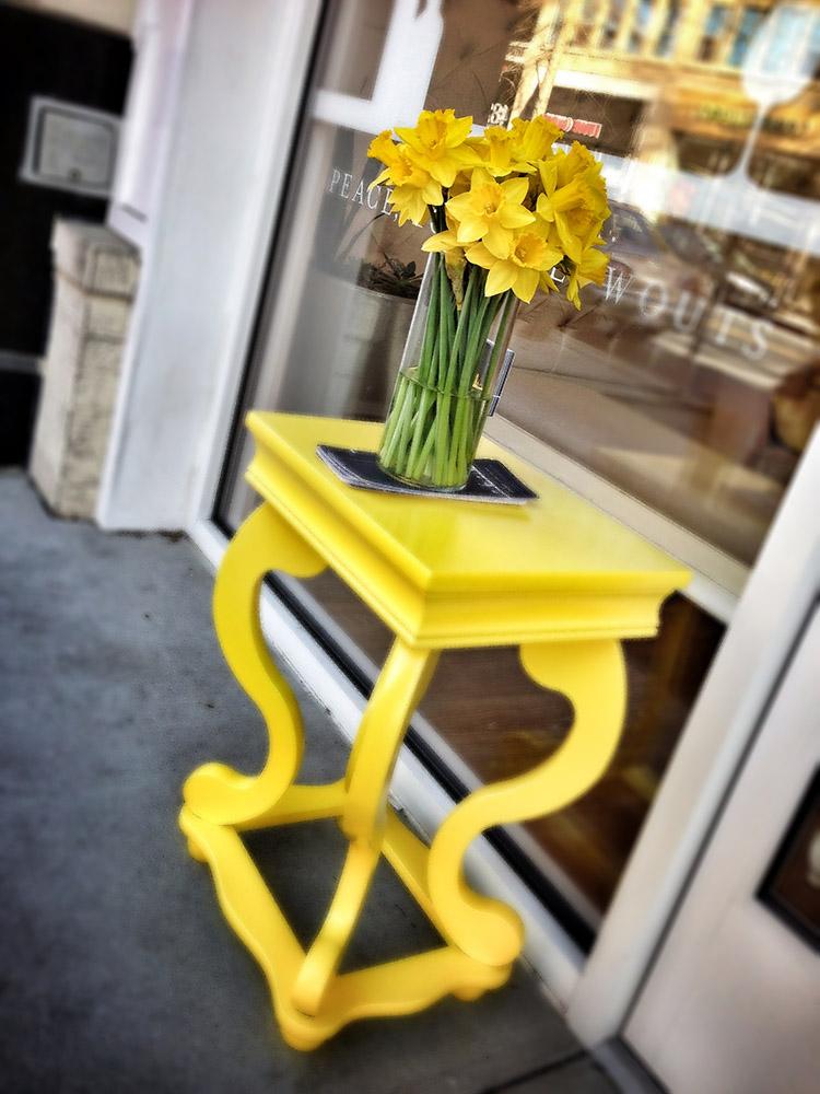 Bethesda Avenue flowers.  © 2013 Jay Mallin